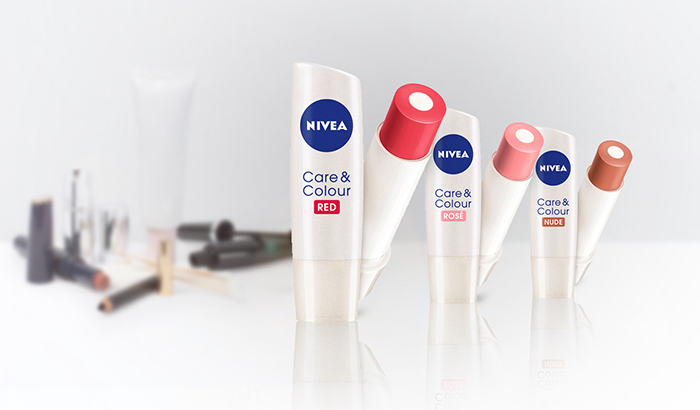 Gama NIVEA LIP Care&Colour