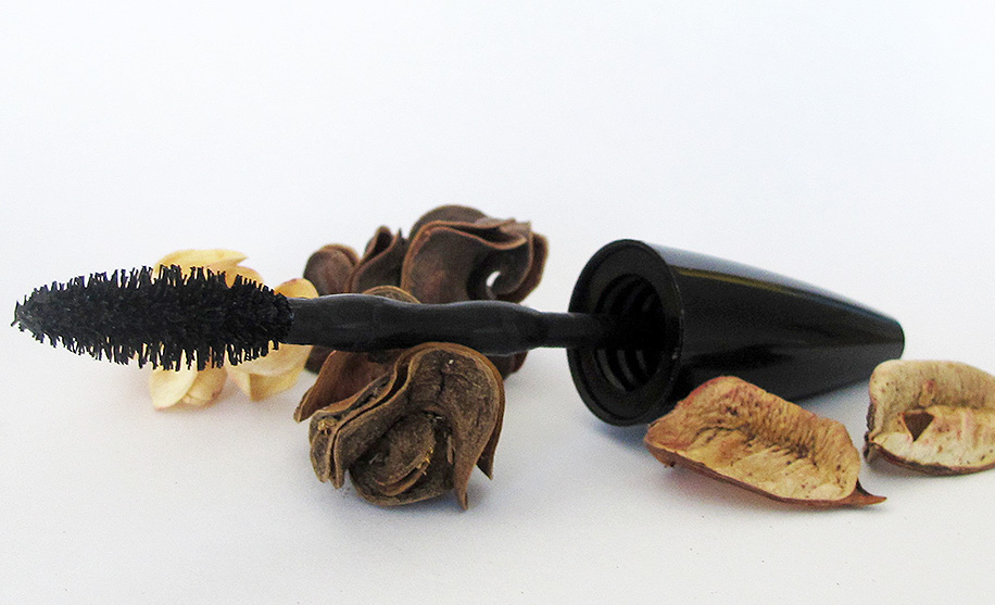 maybelline the collosal go extreme leather black periuta brush