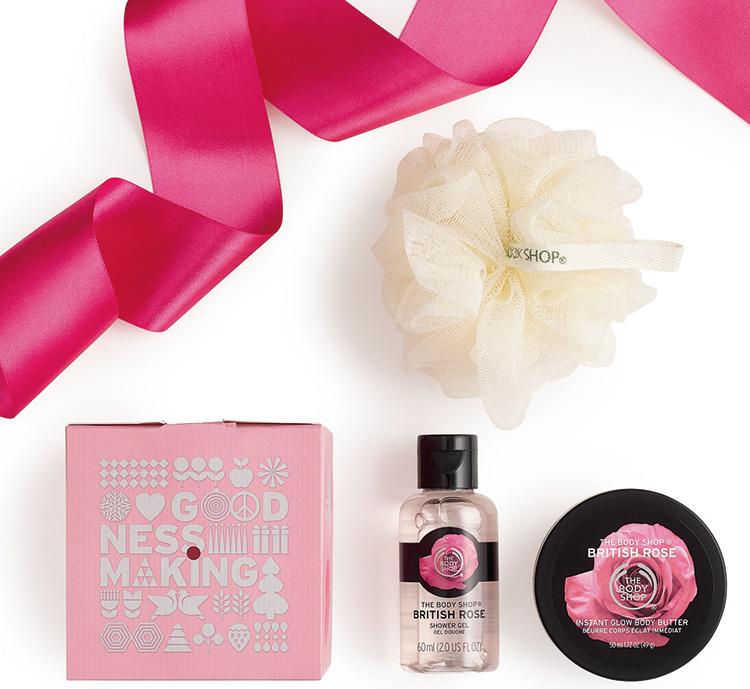 british-rose-treats-with-ribbon